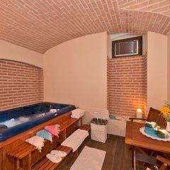 Enderun Hotel Istanbul бассейн