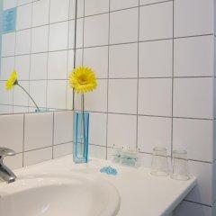 Отель about:berlin Hotel Германия, Берлин - 1 отзыв об отеле, цены и фото номеров - забронировать отель about:berlin Hotel онлайн ванная