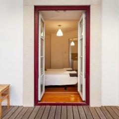 Отель Alfama Best Terrace & View Gonzalos Home сейф в номере