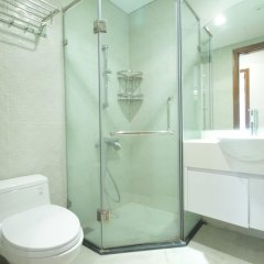 Апартаменты Bayhomes Times City Serviced Apartment ванная фото 2