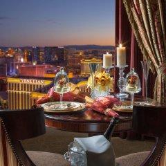 Отель The Palazzo Resort Hotel Casino США, Лас-Вегас - 9 отзывов об отеле, цены и фото номеров - забронировать отель The Palazzo Resort Hotel Casino онлайн балкон