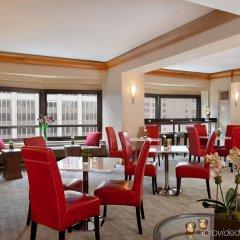 Отель Hilton Club New York гостиничный бар