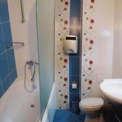 Отель Byalo More Болгария, Чепеларе - отзывы, цены и фото номеров - забронировать отель Byalo More онлайн ванная