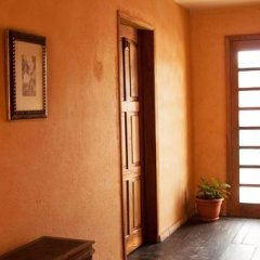 Hotel Antiguo Roble Грасьяс сейф в номере