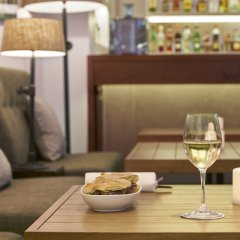 Отель PortoBay Marques гостиничный бар