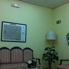 Отель Hostal Vazquez De Mella Мадрид фитнесс-зал