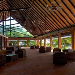Отель Furaveri Island Resort & Spa Мальдивы, Медупару - отзывы, цены и фото номеров - забронировать отель Furaveri Island Resort & Spa онлайн интерьер отеля
