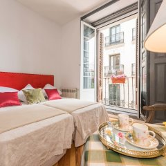 Отель Apartamentos Plaza Santa Ana Мадрид комната для гостей фото 2