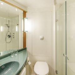 Отель ibis London Excel Docklands Великобритания, Лондон - отзывы, цены и фото номеров - забронировать отель ibis London Excel Docklands онлайн ванная