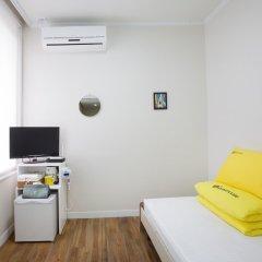 Отель 24 Guesthouse Namsan Garden Сеул удобства в номере