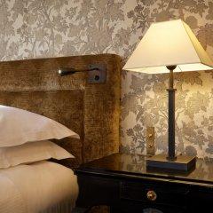 Отель Le Pavillon de la Reine Франция, Париж - отзывы, цены и фото номеров - забронировать отель Le Pavillon de la Reine онлайн сейф в номере