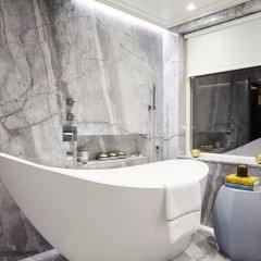 Отель 3 Bedroom Apartment With Garden in Knightsbridge Великобритания, Лондон - отзывы, цены и фото номеров - забронировать отель 3 Bedroom Apartment With Garden in Knightsbridge онлайн ванная