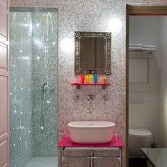 Отель Hôtel Crayon Rouge by Elegancia ванная