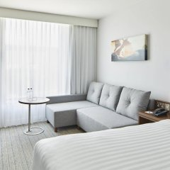 Отель Courtyard by Marriott Luton Airport комната для гостей фото 2