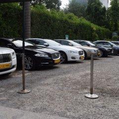 Отель The Royal Plaza Индия, Нью-Дели - отзывы, цены и фото номеров - забронировать отель The Royal Plaza онлайн парковка