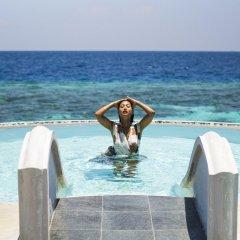 Отель Huvafen Fushi by Per AQUUM Мальдивы, Гиравару - отзывы, цены и фото номеров - забронировать отель Huvafen Fushi by Per AQUUM онлайн бассейн фото 3