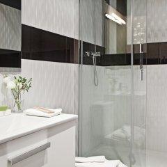 Отель AinB Eixample - Miró Барселона ванная