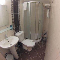 Efsane Hotel Турция, Дикили - отзывы, цены и фото номеров - забронировать отель Efsane Hotel онлайн ванная фото 2