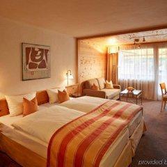 Отель Gstaaderhof Swiss Quality Hotel Швейцария, Гштад - отзывы, цены и фото номеров - забронировать отель Gstaaderhof Swiss Quality Hotel онлайн комната для гостей фото 4