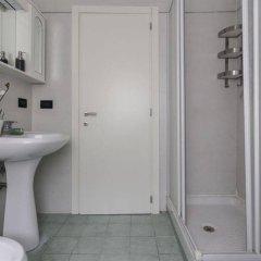 Отель Rent-it Venice Anna House Италия, Спинеа - отзывы, цены и фото номеров - забронировать отель Rent-it Venice Anna House онлайн ванная