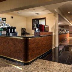Отель DoubleTree by Hilton Carson интерьер отеля фото 3