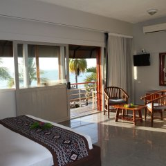 Smugglers Cove Beach Resort and Hotel комната для гостей фото 8