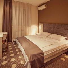 Гостиница Амбассадор Плаза комната для гостей фото 2