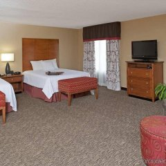 Отель Hampton Inn & Suites Columbus-Easton Area комната для гостей фото 3