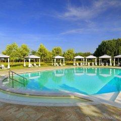 Отель San Clemente Palace Kempinski Venice бассейн