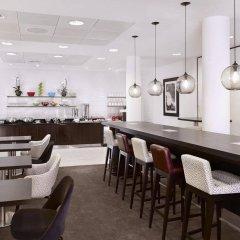 Отель DoubleTree by Hilton Hotel London - Westminster Великобритания, Лондон - 4 отзыва об отеле, цены и фото номеров - забронировать отель DoubleTree by Hilton Hotel London - Westminster онлайн гостиничный бар