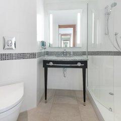 Отель Hampton by Hilton London Waterloo ванная фото 2