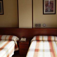 Отель Hostal San Glorio Испания, Сантандер - отзывы, цены и фото номеров - забронировать отель Hostal San Glorio онлайн удобства в номере фото 2