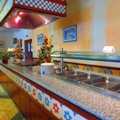 Отель Alfamar Beach & Sport Resort Португалия, Албуфейра - 1 отзыв об отеле, цены и фото номеров - забронировать отель Alfamar Beach & Sport Resort онлайн гостиничный бар