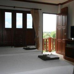 Отель Baan Chayna Resort Пхукет удобства в номере