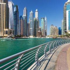 Отель Golden Tulip Suites Dubai пляж