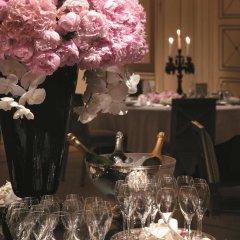 Shangri-La Hotel Paris Париж с домашними животными