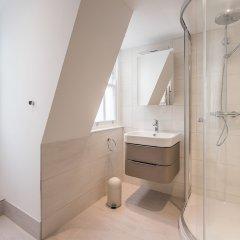 Отель Stay At Mine - Greek Street Лондон ванная фото 2