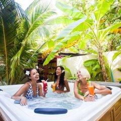 Отель Stingray Beach Inn бассейн фото 2