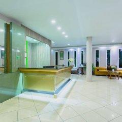 Отель Thanthip Beach Resort интерьер отеля