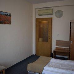 Отель Slavyanska Beseda Hotel Болгария, София - 7 отзывов об отеле, цены и фото номеров - забронировать отель Slavyanska Beseda Hotel онлайн комната для гостей фото 2