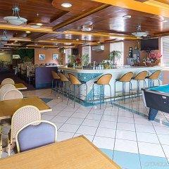 Отель Wyndham Garden Guam гостиничный бар