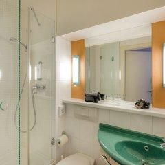 Отель ibis München City Nord Германия, Мюнхен - отзывы, цены и фото номеров - забронировать отель ibis München City Nord онлайн ванная фото 2