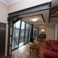 Отель EuroResidence Apartament Home комната для гостей