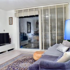 Апартаменты 1 Bedroom Apartment With Balcony in Haggerston комната для гостей фото 2