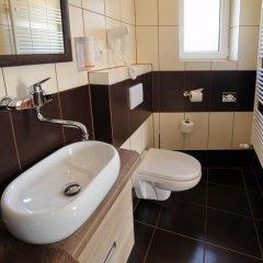 Отель Penzion Eduard Чехия, Франтишкови-Лазне - отзывы, цены и фото номеров - забронировать отель Penzion Eduard онлайн ванная