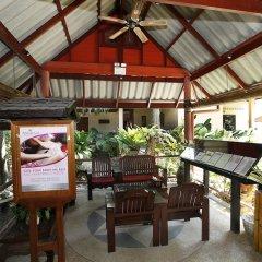 Отель Friendship Beach Resort & Atmanjai Wellness Centre гостиничный бар