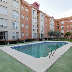 Отель Apartamentos Vértice Bib Rambla Испания, Севилья - отзывы, цены и фото номеров - забронировать отель Apartamentos Vértice Bib Rambla онлайн бассейн фото 2
