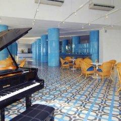 Hotel Elcano гостиничный бар