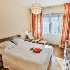 Отель Le France-Massenet AP3015 by Riviera Holiday Homes Ницца комната для гостей
