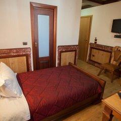 Отель Brilant Antik Hotel Албания, Тирана - отзывы, цены и фото номеров - забронировать отель Brilant Antik Hotel онлайн сейф в номере
